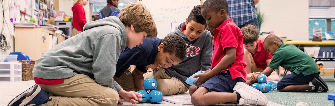 5th grade Kindergarten Buddies with Dash Robots